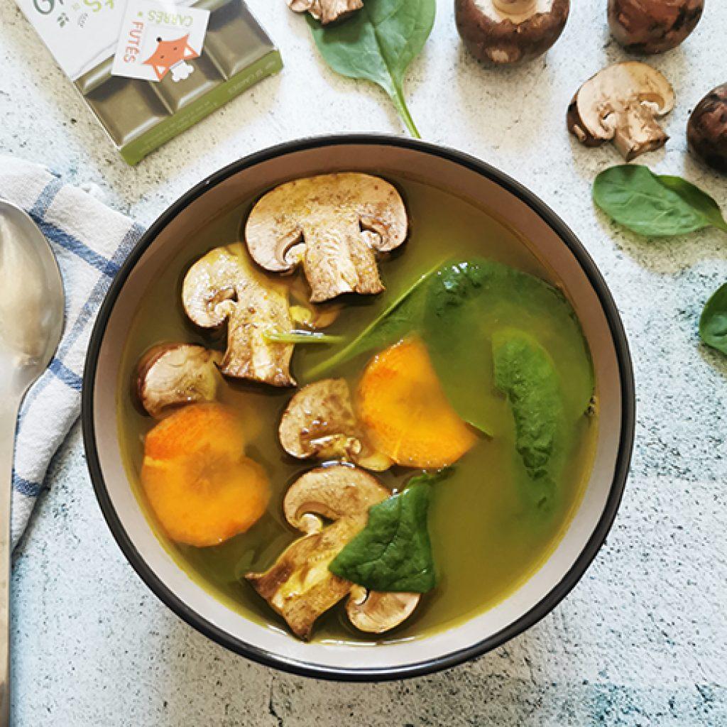 Bouillon détox aux champignons recette