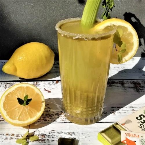 jus-detox-celeri-citron-carres-futes-recette