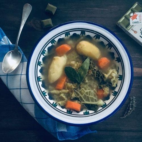 soupe-au-chou-carres-futes-recette